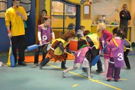 软式棍球_亲子拓展游戏活动项目